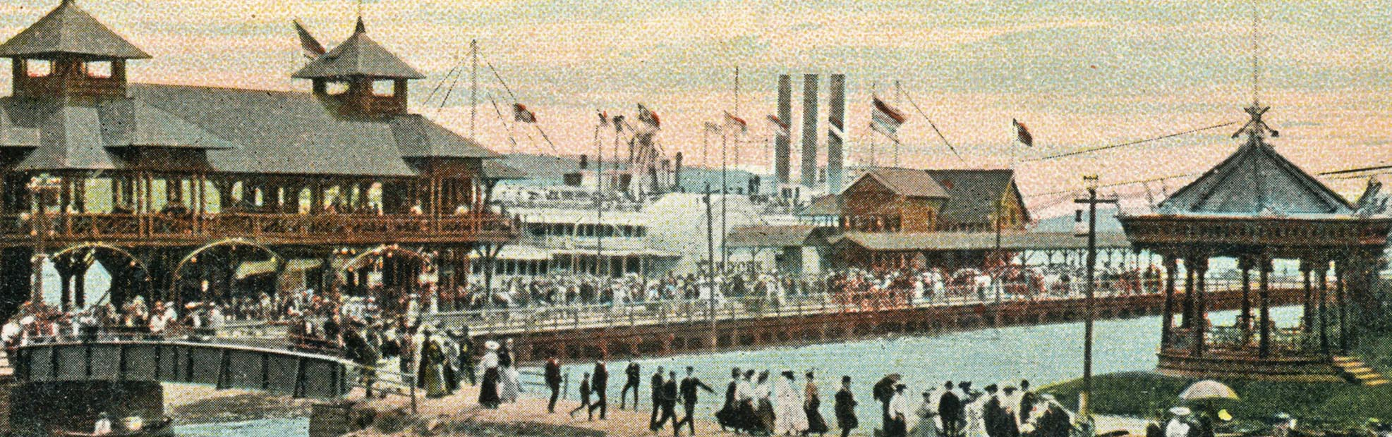 passengers disembark a steamship at Kingston Point Park c.1900